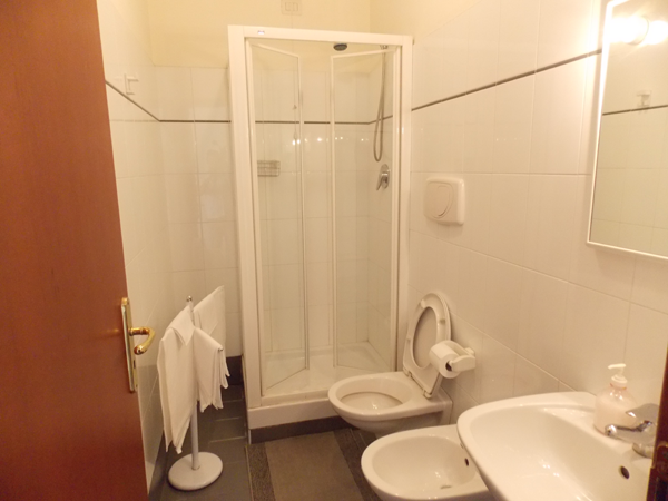bagno-albergo-roma-matera-1
